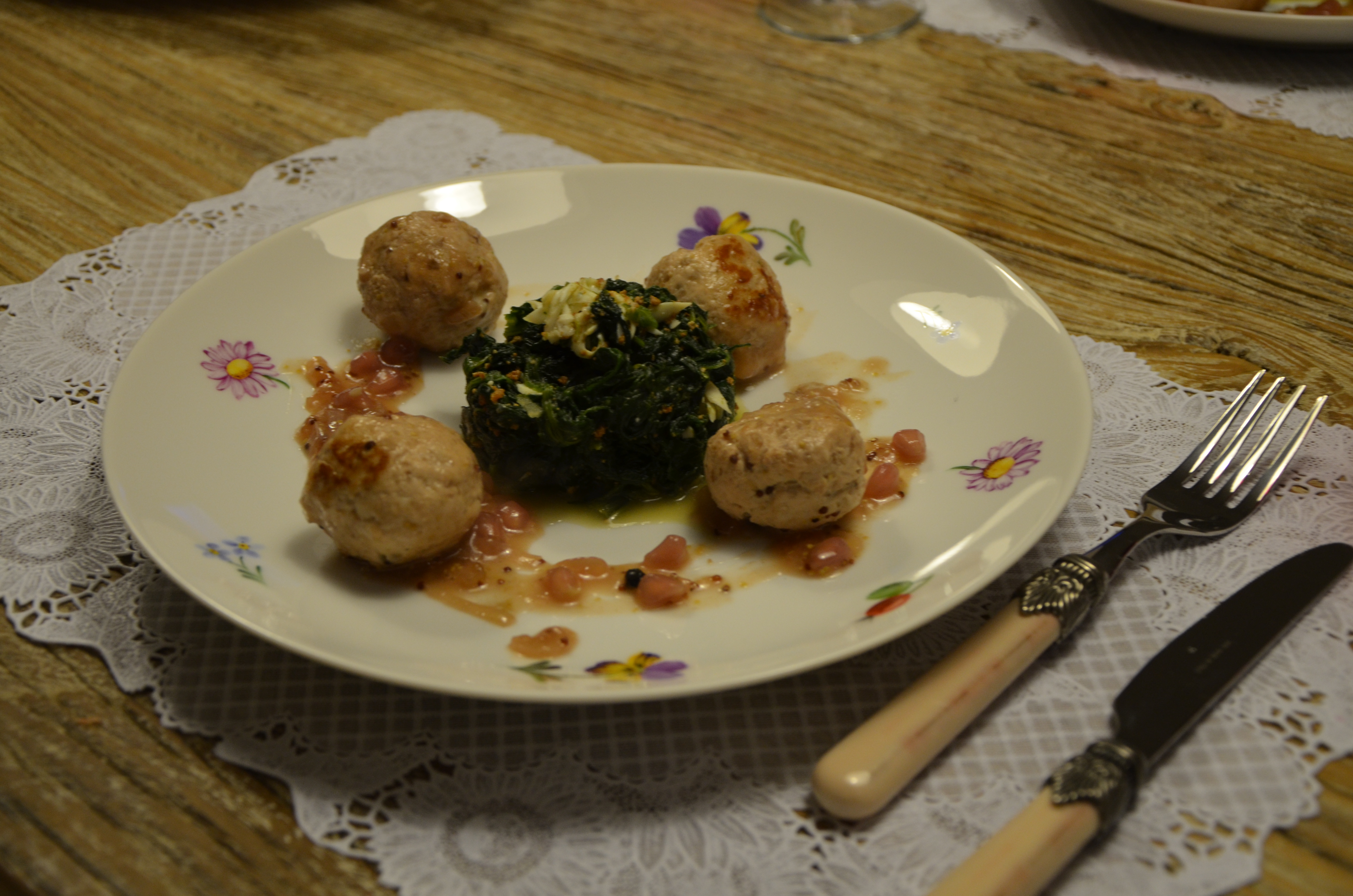Chicken & Almosts meatballs with sweet spinach