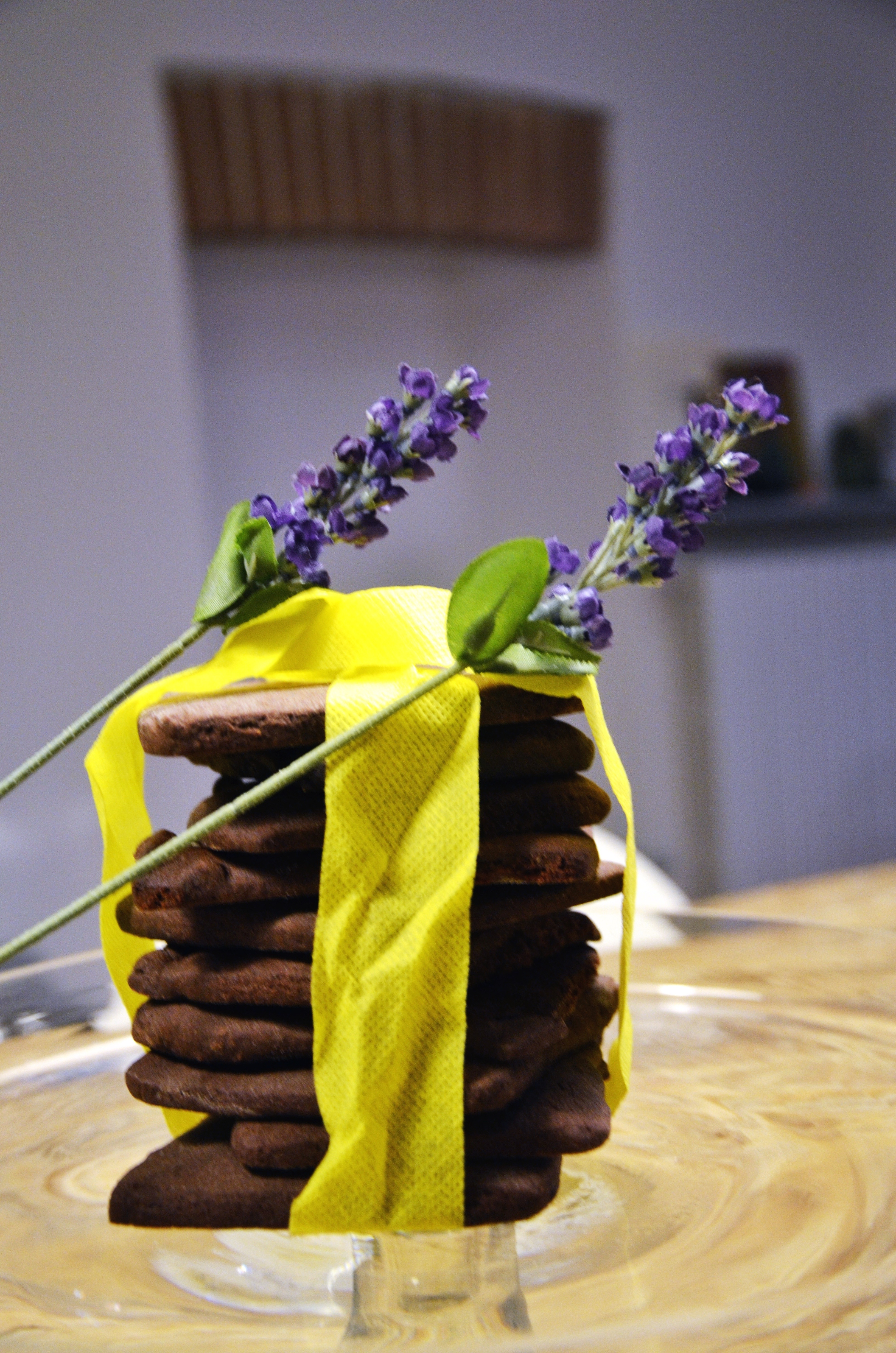lavander and cocoa cookies